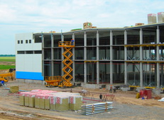 Быстровозводимое здание установка фасада из сендвич панелей от компании Витон (Viton)